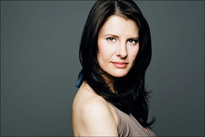 Deanna Barron
